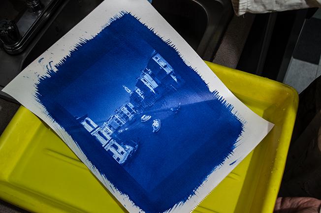 Cianotipo en cubeta Taller Tipia Lab web copy