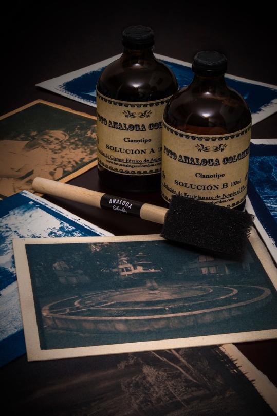 web Taller de Cianotipo Tipia Lab escuela de Fotografia analoga Bogota Colombia